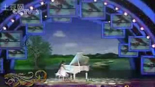 ทึ่ง!! เด็กสาวชาวจีน พิการไม่มีนิ้วแต่ เล่นเปียโน