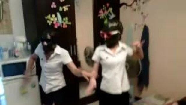 นักศึกษาเต้น กินตับ