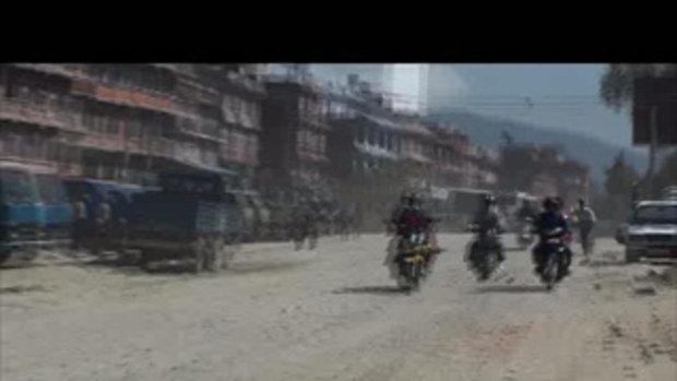 เจโอ๋เวสป้าผจญภัย-ขี่ผ่านเมืองสลัม Kodari Nepal