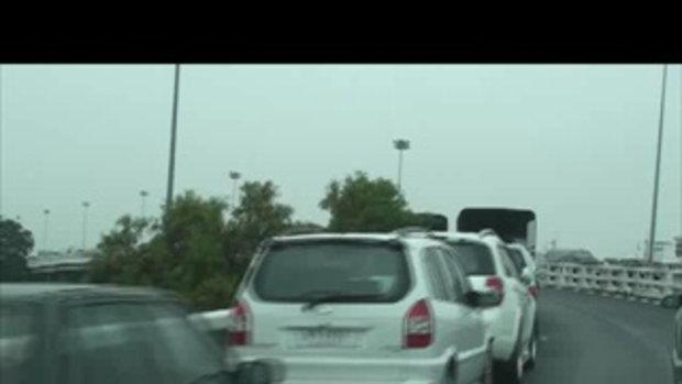 น้ำท่วมปทุม-ที่จอดรถทางขึ้นถนนวงแหวนรอบนอก คลอง5-20ตุลาคม2554-20111020