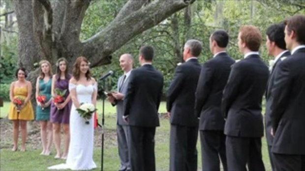 แกล้งคนงานแต่ง นักมวยปล้ำบุกมาขวางงานแต่ง