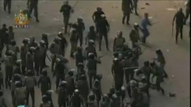 ทหารรุมตีผู้ประท้วง อียิปต์