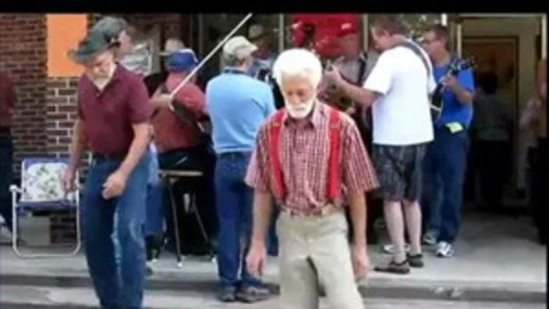 คุณปู่ เต้นชัฟเฟิล เจ๋งจริงๆเลยปู่
