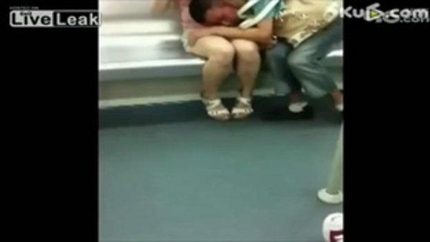 หื่น! หนุ่มจีน ทำอนาจาร บนรถไฟฟ้า