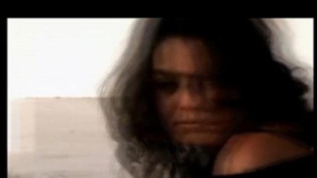 มิลา คูนิส สาวเซ็กซี่แห่งปี 2012