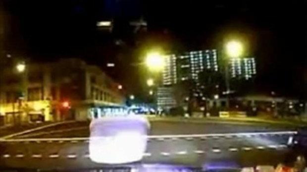 เฟอร์รารี่ซิ่งชนแท๊กซี่ ที่สิงคโปร