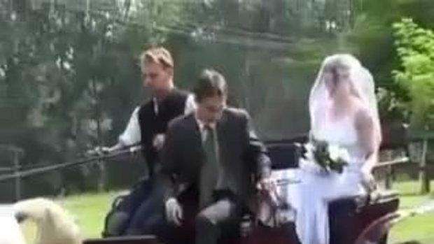 ตบกัน กลางงานแต่ง มันส์สุดๆ