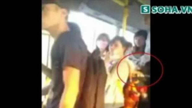 เสื่อม! สาวเวียดนามยอมแฟน จับเต้า บนรถเมล์