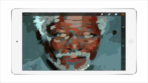 ไม่เจ๋งจริงทำไม่ได้! ใช้ iPad วาดภาพ Morgan Freeman