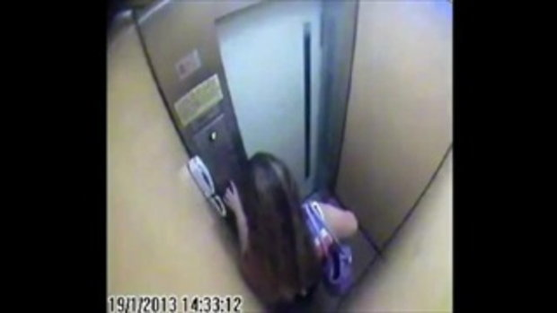 ตบกันในลิฟท์ 3รุม1