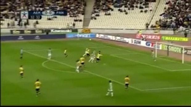 หนีตาย! แฟนบอล AEK Athens โยนพลุควันเข้าใส่สนามแข่ง