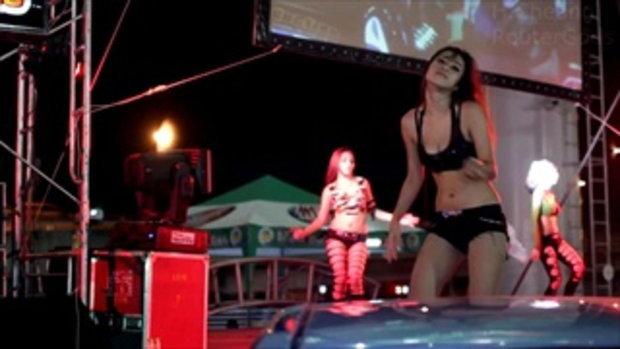 Bangkok International Motor Show 2013 - Coyote dancer 3/3