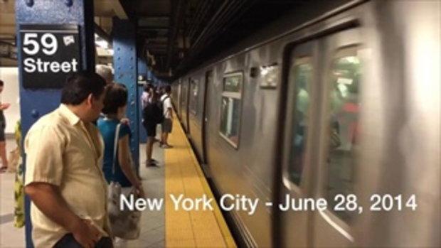 ถึงกับอึ้งทั้งขบวน! นักแสดงไลอ้อน คิงส์ โชว์บนรถไฟในNYC