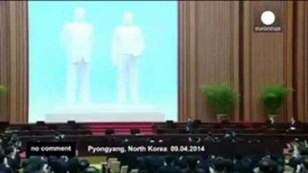กึกก้อง!! การตบมือสรรเสริญผู้นำ คิมจองอึน แบบเกาหลีเหนือสไตล์