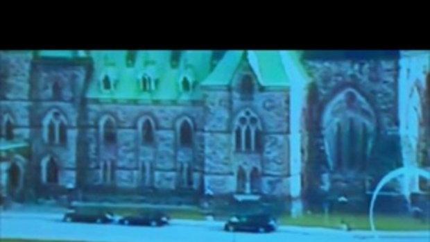 ภาพวงจรปิด มือปืนยิงทหารหนีเข้ารัฐสภาแคนาดา ปะทะ ตร.ถูกวิสามัญดับ