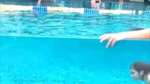 พาปลาไปว่ายน้ำมาครับ
