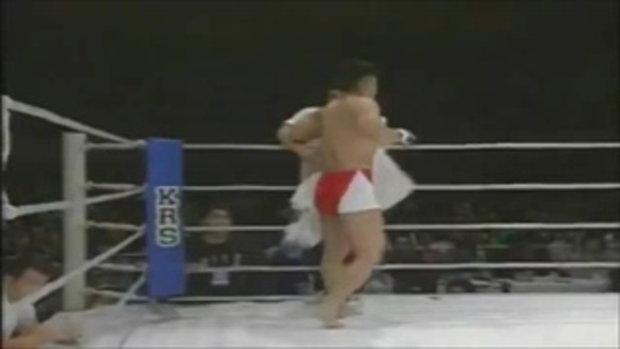 ไฝ้วข้ามรุ่น ซูโม่ 220กก. vs MMA 76 กก.ใครชนะเดี่ยวรู้