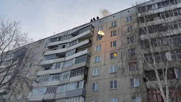 คลิปสุดระทึก หนุ่มรัสเซียจุดไฟ