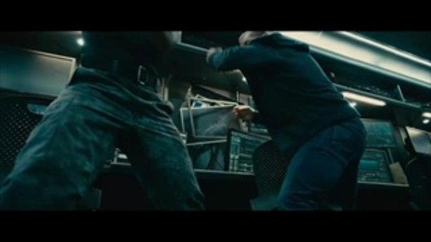 จา พนม ปะทะ พอล วอร์กเกอร์ ใน Fast & Furious7