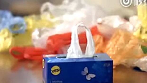 เจ๋ง!! วิธีเก็บถุงพลาสติกในบ้าน แบบไม่เกะกะ