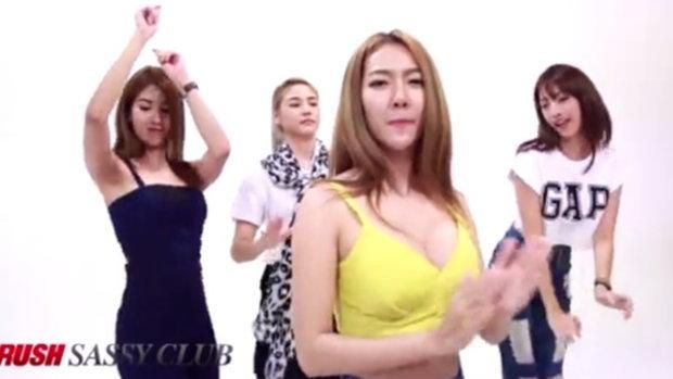 สาวๆ RUSH Sassy Club เต้นลอยกระทง