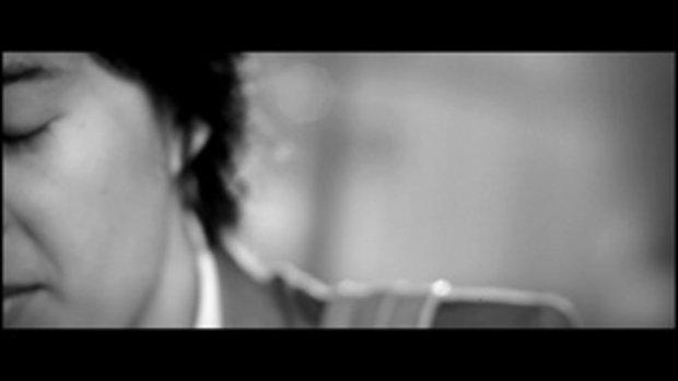 เพลง ยินดีที่ได้รักเธอ - รณเดช วงศาโรจน์