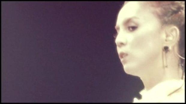 เพลง สุด...สุด (20th Year Christina) - คริสติน่า อากีล่าร์