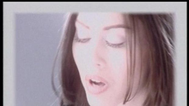 เพลง ขอโทษที่กวนใจเธอ - นัท มีเรีย
