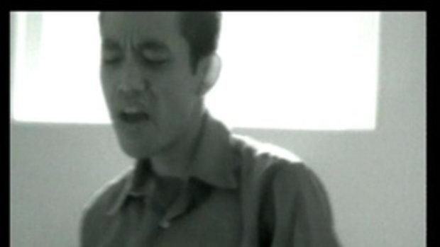 เพลง ห่างไกลเหลือเกิน - บอย โกสิยพงษ์ feat. ป๊อด โมเดิร์นด็อก