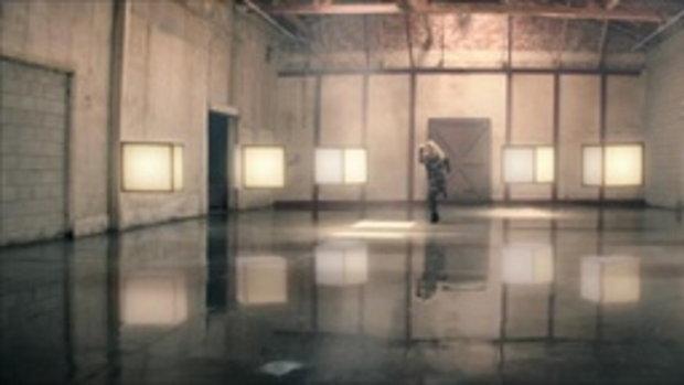เพลง Invincible - Kelly Clarkson