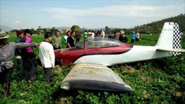 เครื่องบินเล็กลงฉุกเฉินที่ อ.พร้าว จ.เชียงใหม่ นักบิน 2 คนปลอดภัย