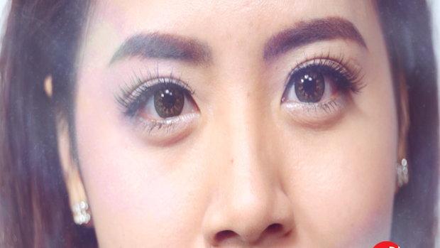 วิธีการติดขนตาปลอม + ทริค ง่ายๆที่ทำให้ดูเนียน