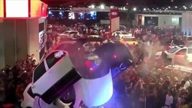 เท่ห์มาก!!! รถแปลงร่างเป็นหุ่นยนต์