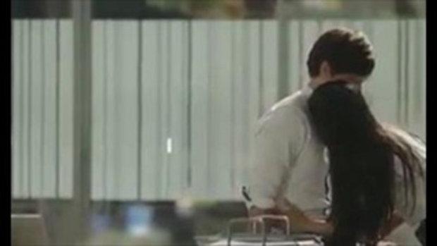 ฉากหยุดโลก! สายป่าน บี้ KPN จูบดูดดื่มใน เพื่อนรักเพื่อนร้าย