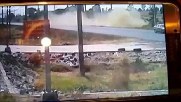 เผยคลิปกล้องวงจรปิดอดีตส.ส.สุรินทร์ รถพลิกคว่ำเสียชีวิต