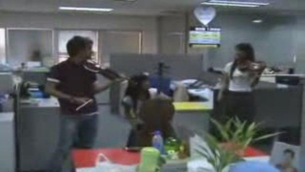 Vie Trio โชว์สดที่สนุกดอทคอม 2