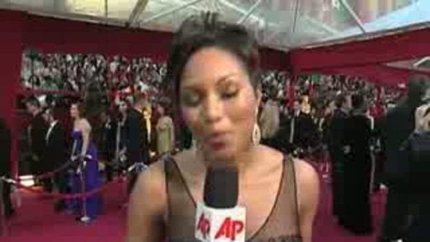 Clooney, Cameron, Bullock on Oscars Red Carpet