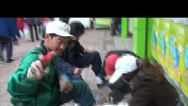 ขัดรองเท้าในจีน-เวสป้าผจยภัย