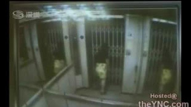 สาวโชคร้าย ตายติดในลิฟท์ นาน3วัน