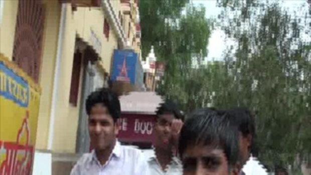เจโอ๋เวสป้าผจญภัย-นักเรียนอินเดีย