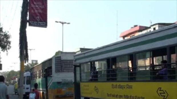 เจโอ๋เวสป้าผจญภัย-ท่ารถเมล์ในอินเดีย