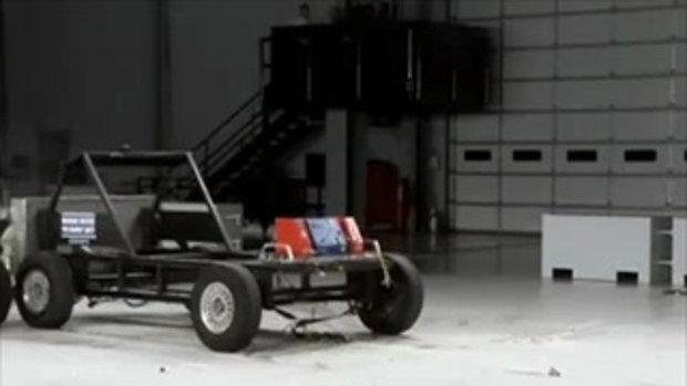 Crash Test - Chevrolet Cruze (Side Impact)