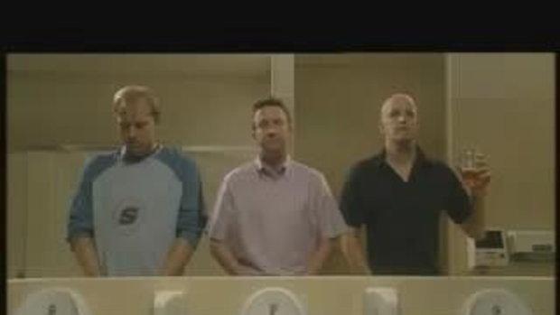 แอบดู หนุ่มๆเข้าห้องน้ำ ฮาโคตรๆ