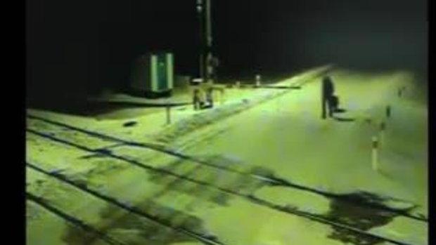 คนชั่ว..จับสุนัขมัดให้รถไฟทับตาย