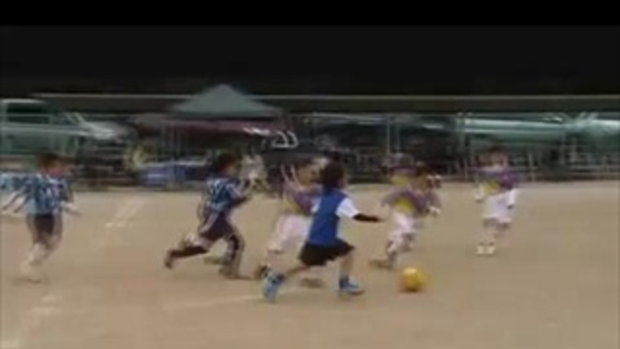 นิวเมสซี่! หนูน้อยเล่นฟุตบอล
