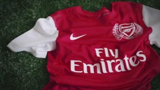 อาร์เซน่อล เปิดตัวชุดแข่งใหม่ 2011/12