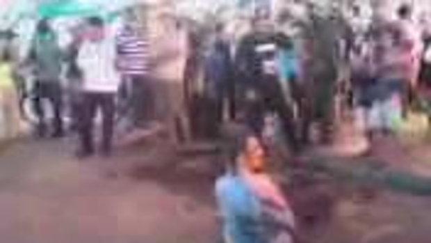 ตำรวจไทยใจเด็ด เตะก้านคอฝรั่ง บนถนนข้าวสาร