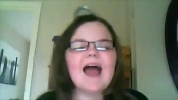 สาวอ้วน อารมณ์เสีย ร้องเพลงไม่ถูกคีย์ อย่างฮา