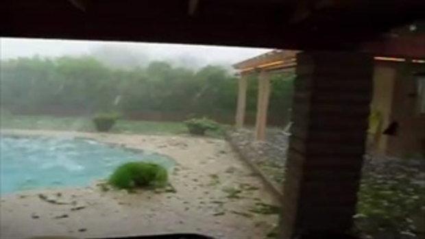 พายุลูกเห็บตกถล่มบ้าน รุนแรงและน่ากลัว