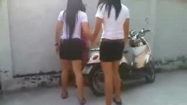คลิป ฉาว!! คลิปนักศึกษาสาว บุกตบคู่อริ ว่อนเนต โอ้...สังคมไทย